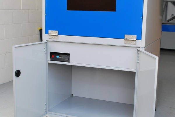 SMARTcure storage cupboard