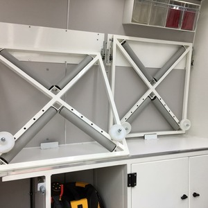 Adjustable wheel repair racks